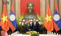 President praises flourishing Vietnam-Laos special solidarity