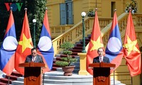 President highlights Vietnam-Laos Solidarity and Friendship Year 2017