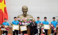 PM praises young footballers' solidarity, physical strength, bravery, self-confidence