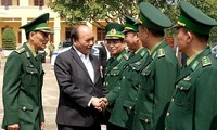 Prime Minister inspects combat readiness of Dak Nong armed forces
