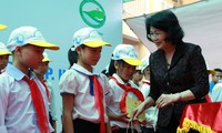 21,000 USD donated to disadvantaged children in Hanoi
