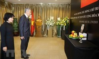 Tribute-paying ceremonies for Vietnamese President held overseas