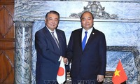 Prime Minister meets Speakers of both Japanese Houses and business leaders
