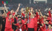 Vietnam football squad receives big for winning AFF Suzuki Cup