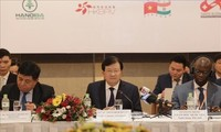Midterm Vietnam Business Forum promotes private sector development