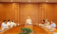 Party leader, President chairs meeting on personnel of 13th National Party Congress
