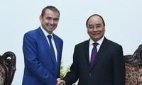 越南与法国巩固良好传统关系