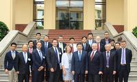 越南公安部长苏林会见美国-东盟商务理事会高级企业代表团