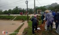 越南全国各地紧急克服台风山神造成的后果