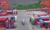 中国对美国的贸易顺差呈现下降趋势