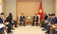 郑庭勇会见亚洲基础设施投资银行副行长