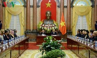 越南国家主席陈大光会见出席最高审计机关亚洲组织第十四届大会的各国代表团团长