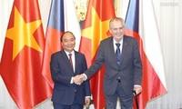 捷克媒体:越南政府总理阮春福的捷克之行为推动两国合作注入动力