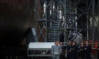 朝鲜最高领导人视察新造舰艇