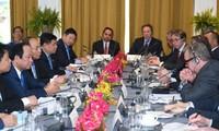 Нгуен Суан Фук выразил пожелание, чтобы США стали крупнейшим торговым партнером Вьетнама