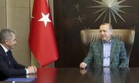 Президент Турции принял министра обороны России