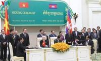 Генсек ЦК КПВ Нгуен Фу Чонг встретился с премьером Камбоджи Хун Сеном