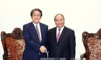 Премьер-министр Нуен Суан Фук принял посла Японии во Вьетнаме