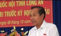 Phó Thủ tướng Thường trực Chính phủ Trương Hòa Bình tiếp xúc cử tri tỉnh Long An