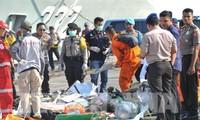 Индонезия продолжает работу по ликвидации последствий авиакатастрофы
