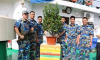Новогодние подарки согревают сердца жителей и военнослужащих на островах Чыонгша