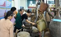 Выставка «Тханьхоа в прошлом и в настоящее время» внушает гордость за местные традиции