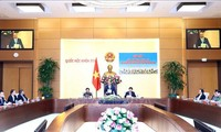 Премьер-министр Вьетнама надеется, что молодые депутаты парламента внесут максимальный вклад в развитие страны