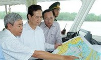PM calls for Lach Huyen international seaport to be completed by 2016