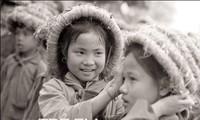"Pictorial book ""Tre em thoi chien"" (Children in war time)"