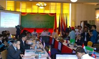 ASEAN SOMs and related meetings discuss situation in the East Sea