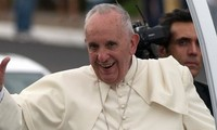 Pope Francis arrives in Cuba, calls for reconciliation