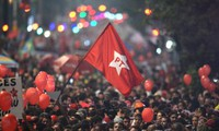 Brazil: hundreds of thousands take to streets to support government
