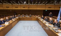 Syrian peace talks restart