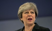 UK: Conservatives pressure PM on post-Brexit policy