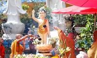 Vietnamese abroad celebrate Vesak Day