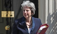 British PM pushes forward Brexit plan