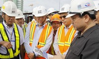 Deputy Prime Minister Hoang Trung Hai examines urban railway project in Ho Chi Minh city