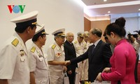 NA Chairman Nguyen Sinh Hung meets ex-servicemen on no-number ships