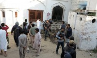 Explosion at Shiite mosque in Pakistan kills at least 20 people