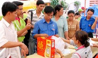 Taking care of poor people and workers on Tet