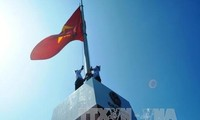 Quang Ninh: Sovereignty flagpole unveiled on north-east outpost island