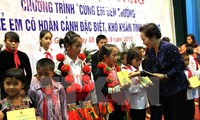 Scholarships granted to disadvantaged children in Ha Giang province