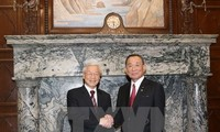 Party leader meets President of Japan's House of Councilors