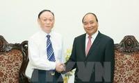 PM Nguyen Xuan Phuc receives Executive Chairman of JA Solar