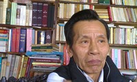 Phan Trac Canh, collector of second-hand books