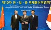 Japan, China, South Korea pledge to promote global free trade