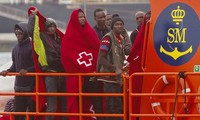 Spain rescues 92 migrants off its southern coast