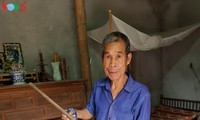 War veteran keeps legendary Truong Son stick