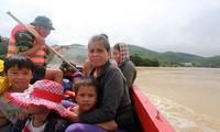 Tích cực khắc phục hậu quả mưa lũ tại các tỉnh miền Trung