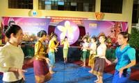 Lưu sinh viên Lào tại Điện Biên rộn ràng đón Tết Bunpimay